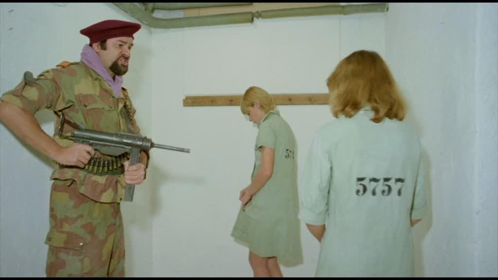 bestrafung nackt ausziehen: